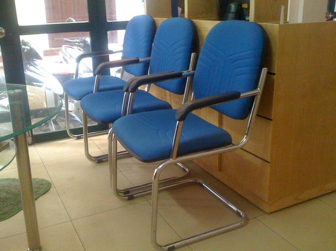 Ghế chân quỳ là loại ghế phòng họp được sử dụng nhiều nhất hiện nay